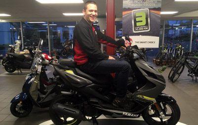Bekijk nieuwe scooters